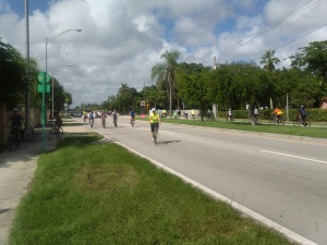 Cyclists riding south on the Ludlam Trail cross SW 72 St/Sunset Drive. Photo by Tomás Monzón